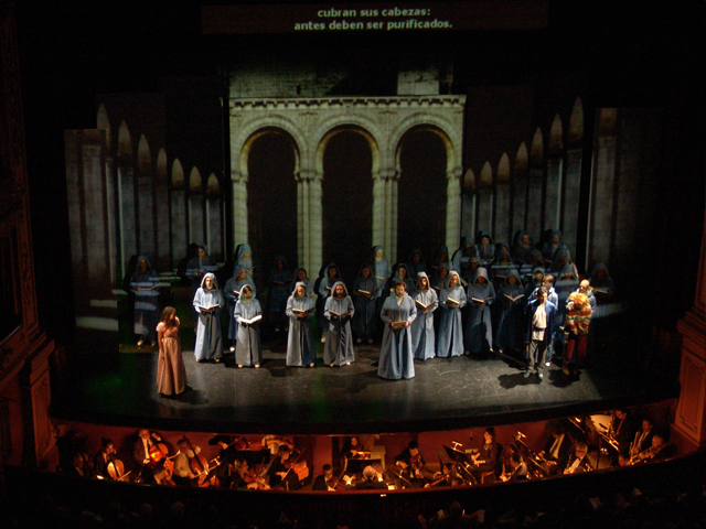 "Mapped Video Projections for the Opera ""  La Flauta Magica  "" by Amadeus Mozart.   Regie:   Horacio Pigozzi   Musical Director:   Antonio Maria Russo      Teatro Avenida - Buenos Aires    Juventus Lyrica"