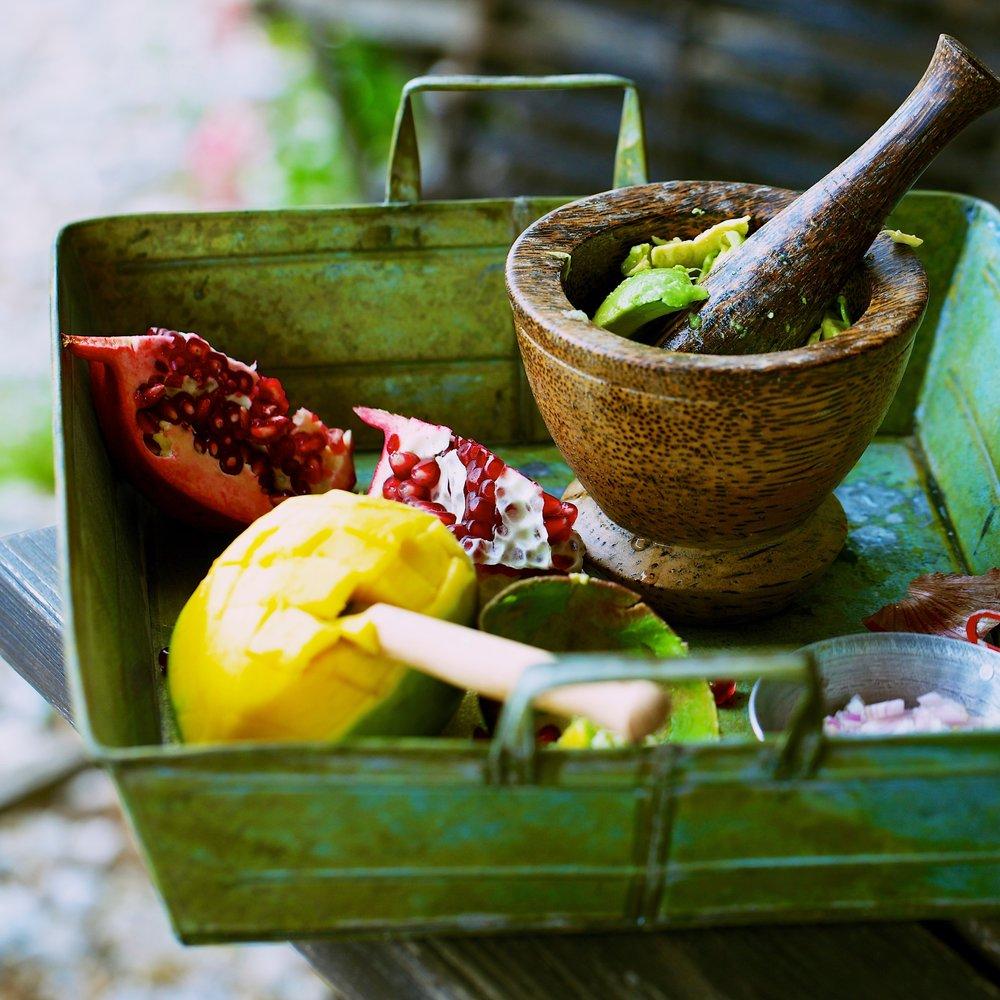 12Guacamole mit Mango und Granatapfel-Fackeltraeger Verlag.jpg