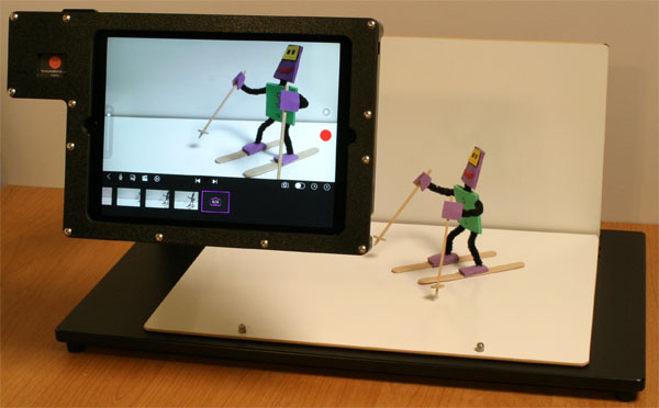 ReadyANIMATOR with iPad in the horizontal shooting position.
