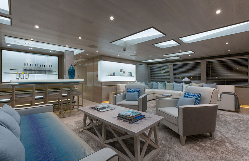 Sunseeker-Thumper-Lounge-Area.jpg