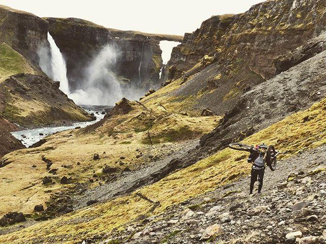 The Jurassic Park trail ! #mtblife #madeinmts #iceland #mtbike #bellhelmets #intensecycles #poc #arcteryx #mtbgirl #mtbpictureoftheday #mtb #mtbtrail #mountainbiking #mountainbiketrails