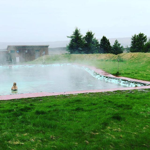 Post trail ride DIY hot spring pool in the highlands. #madeinmts #mtbiceland #iceland #mtb #mtbike #mtblife #mtbgirl #mountainbike #mountainbiking #biking #mtbtrail
