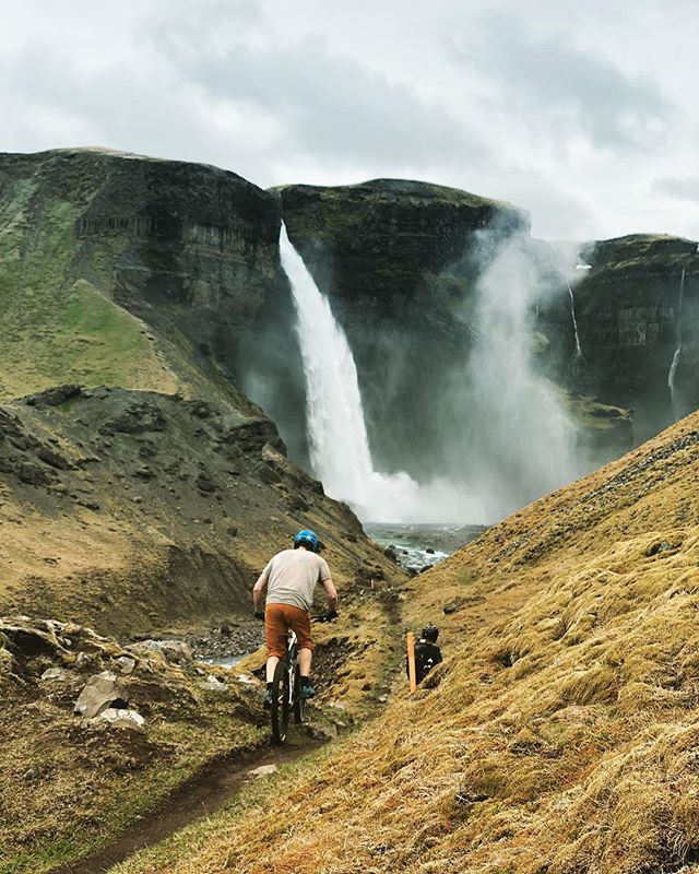 A whole lott'of waterfall on the Jurassic Park trail. 💦💦💦 #madeinmts #mtblife #mountainbike #mtbiceland #mtb #mtbike #mountainbiker #mountainbiking #iceland #biking #cubebikes