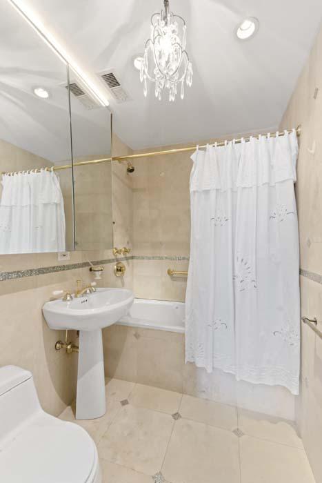 One Fifth Avenue Apt. 12G Master Bathroom