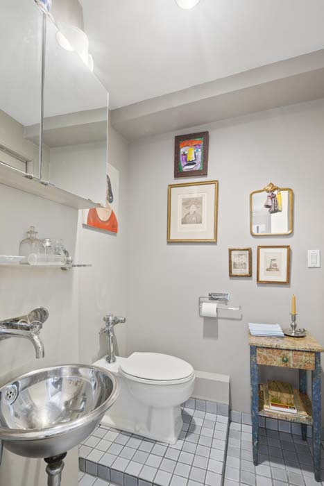 One Fifth Avenue Apt. 16H Bathroom