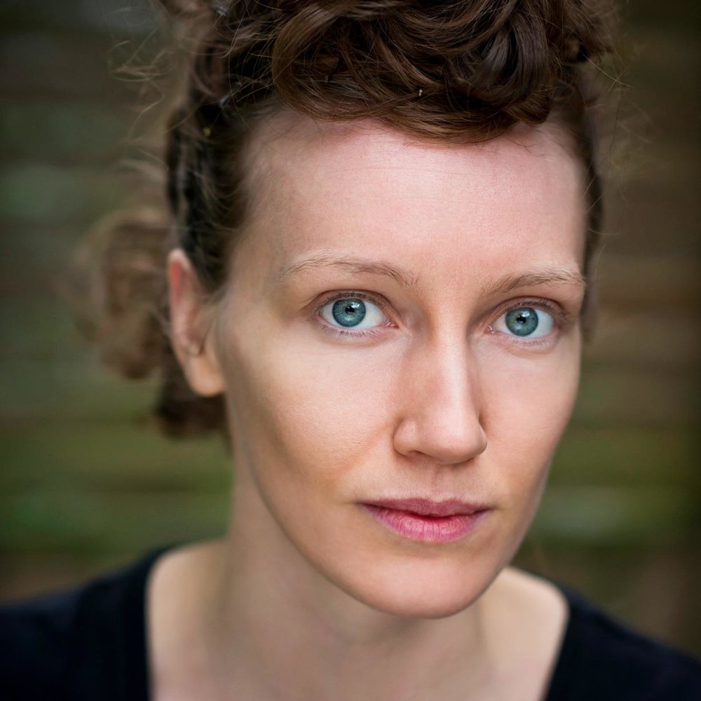 Loren O'Dair is an actor, musician, aerialist and theatre-maker. She has done several trips out to Calais and is a member of the core team. She is performing in Still Waiting at VAULT festival in February 2017.
