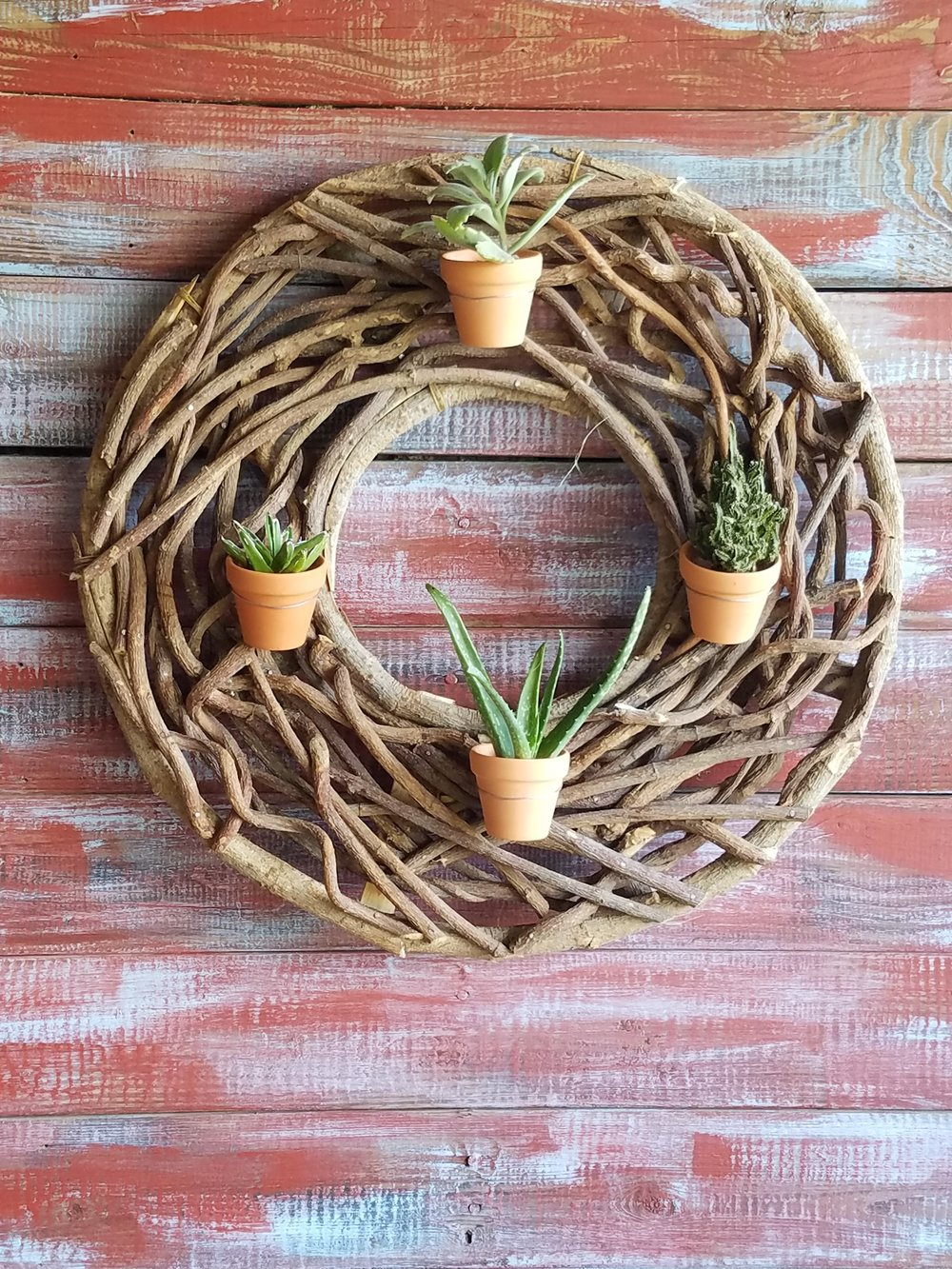 wreath with little pot's.jpg