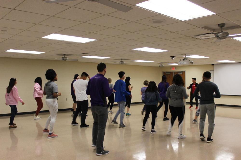 Baila Conmigo- Latin Dance Lesson