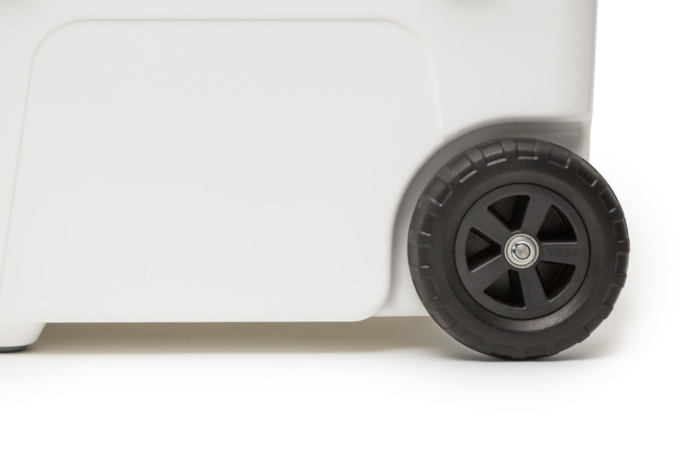 YETI_20180321_Product_Haul_White_Close-Up_Wheel.jpg