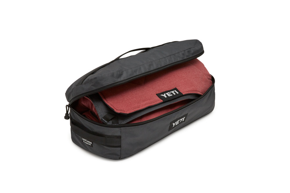 YETI_20180615_Product_Lowlands_Blanket-in-Bag_Red_Zipper-Open.jpg