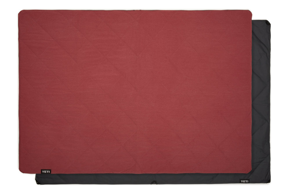 YETI_20180615_Product_Lowlands_Red_Full-Laid-Out_on_Blanket-Back.jpg