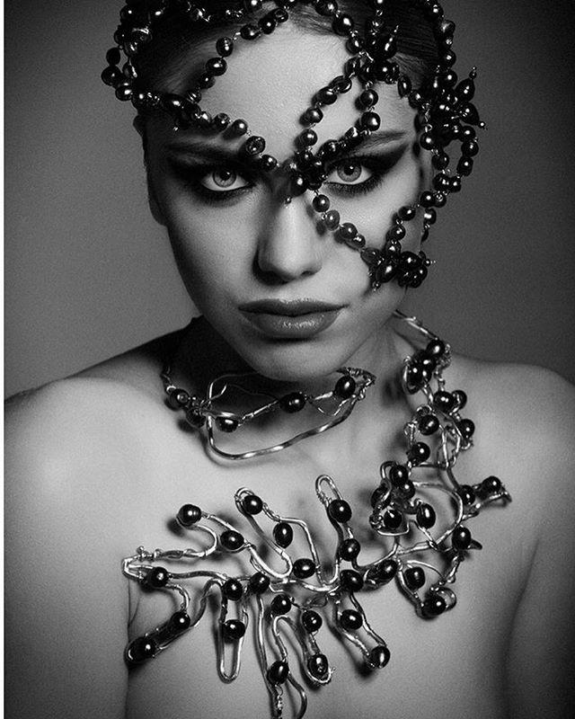 Editorial revista joyas. @marinarojoyas @jesusmariadominguez #joyas #modafeminina #moda#estilo