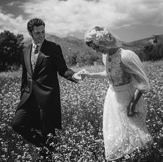 Fotos de boda naturales en el campo. #bodascampo . #bodasnaturales #bodasenespaña#fotografodeboda