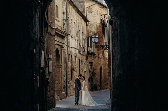 Postboda Pitigliano, un pueblecito de la Toscana Italiana. #postboda #pitigliano #fotografobodasmadrid