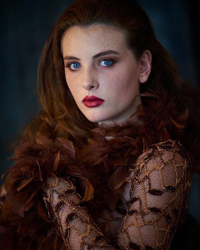 Modelo:@maatinanez06 Agencia:@sarastudio Estilismo:sarastudio Maquillaje y peluquería:Ana.g.p