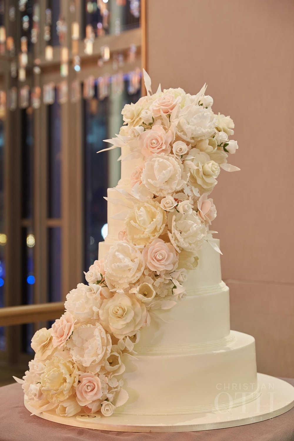Sylvia Weinstock Wedding Cake. Photo by Christian Oth Studio.