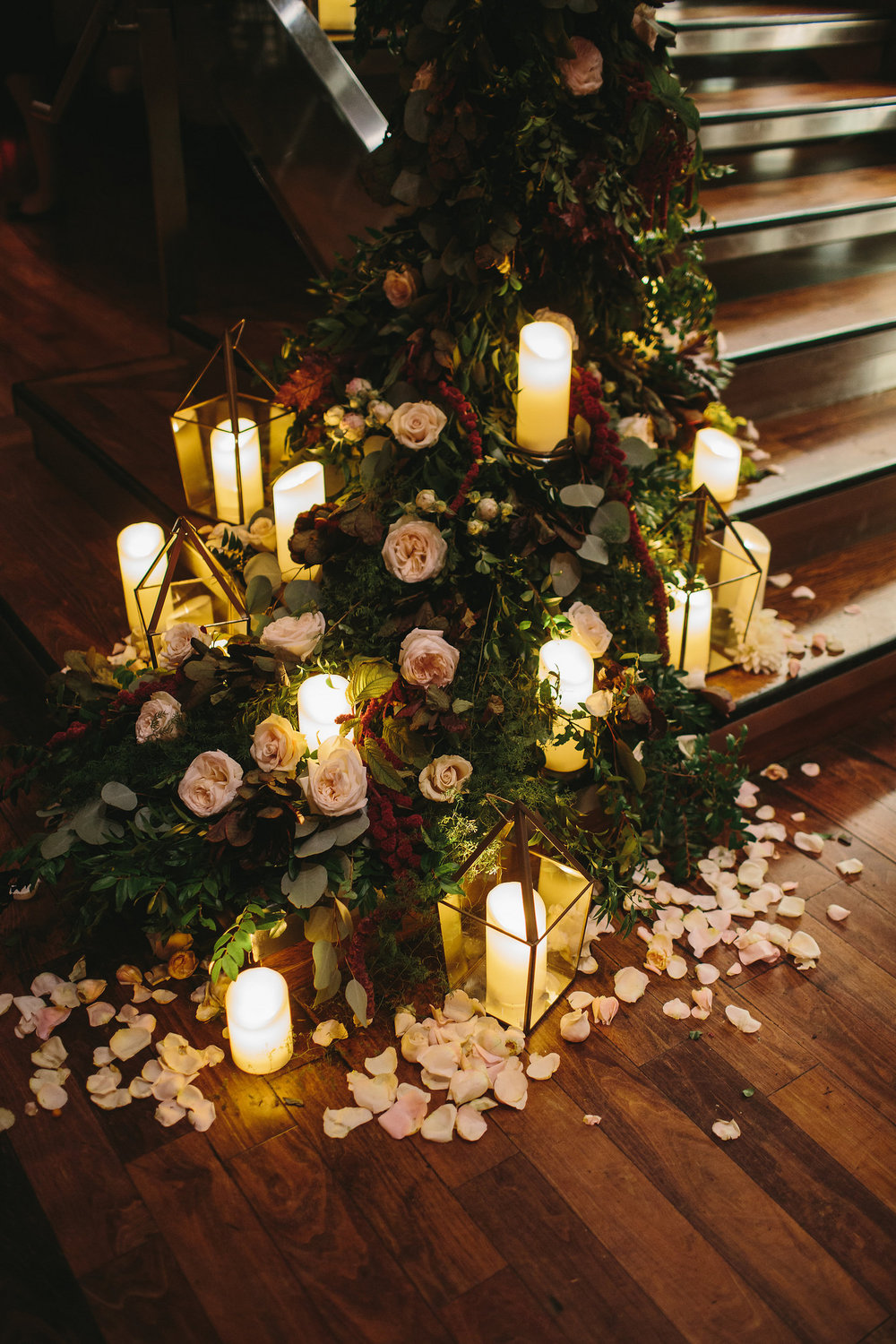 Stair Decor by Poppy Floral. Photo by Lindsay Hite Photography.