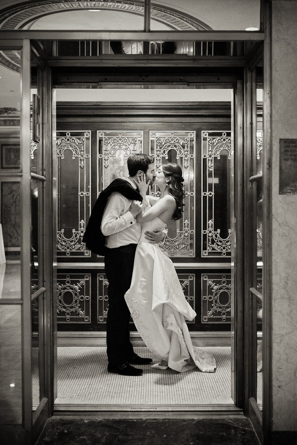 Final kiss of the night captured by Andrew Kelly for Christian Oth Studio