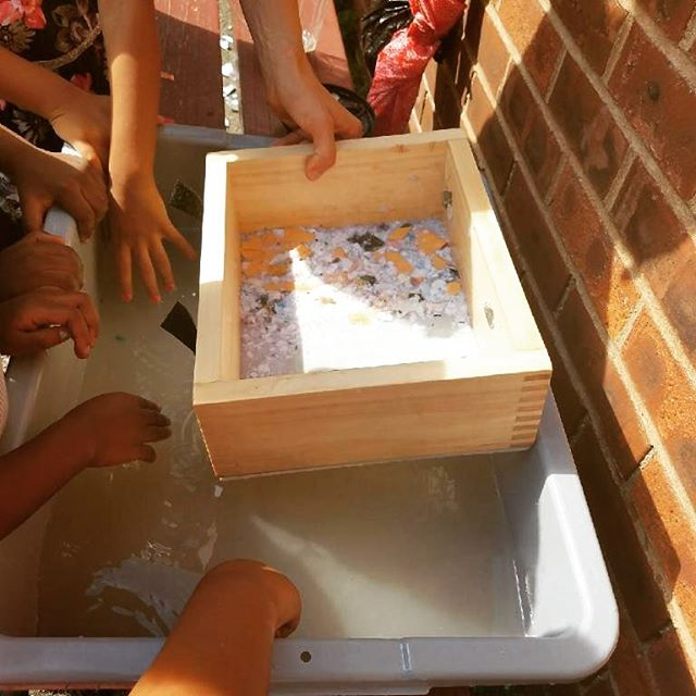 Making paper with the kiddies #OurKidsRead @wearewelcomehere