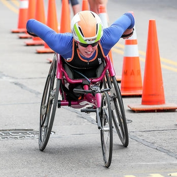 Grandma's Marathon - 1. Amanda McGrory (1:40:42)2. Susannah Scaroni (1:40:42)3. Maria de Fatima Fonesca Chaves (1:48:26)OFFICIAL RESULTS PAGE
