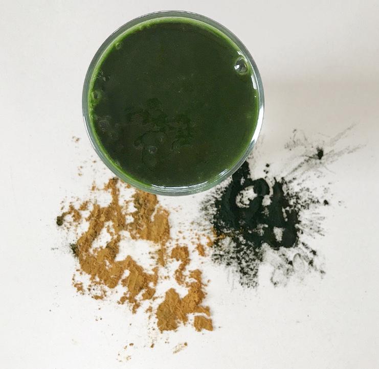 Spirulina and Goldyn Glow smoothie.jpg