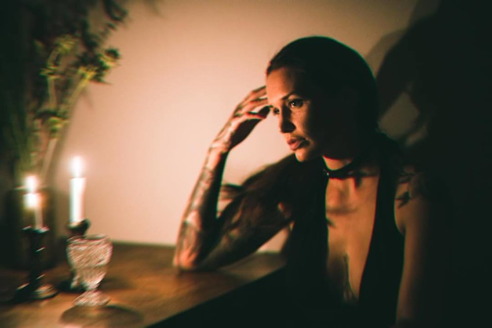 Stella.   #candlelight #nodinner #justwinner #model #gemale #tattoolover #nikon #nikkor #berlin #keepitsimple (at Berlin, Germany)