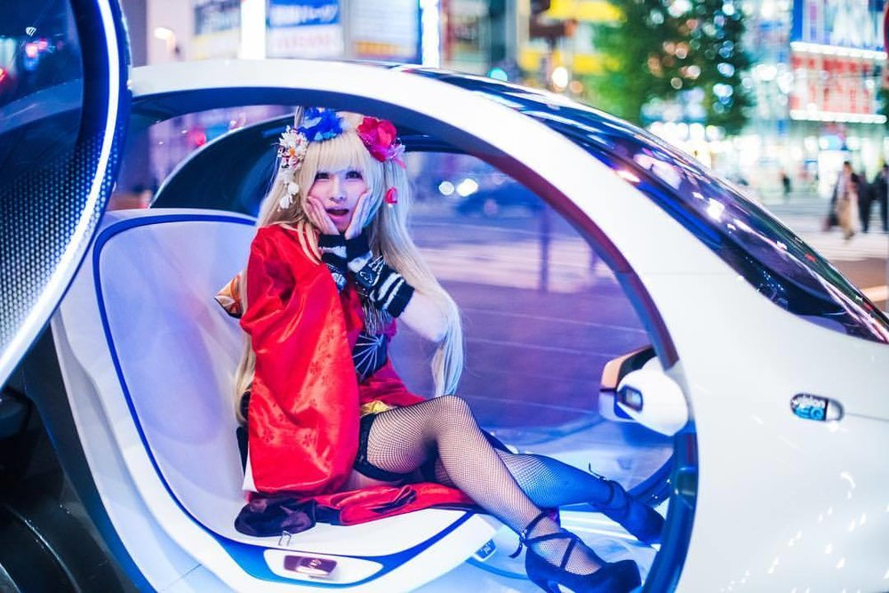 """oh no you're still here!""  #smart #smartcar #smartvisioneq #eq #mercedesbenz #tokyo #japan #akihabara #futuremobility #instacar #carsofinstagram #autonomousdriving #megacity (at Akihabara)"
