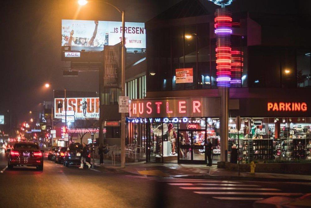 LA Noir 2/3  #la #lalaland #losangeles #lanoir #rainyLA #california #californiadreamin #dark #LAwinter #❤️ #🌧 #hustler #sunsetblvd #sunset  (at Hustler Hollywood)