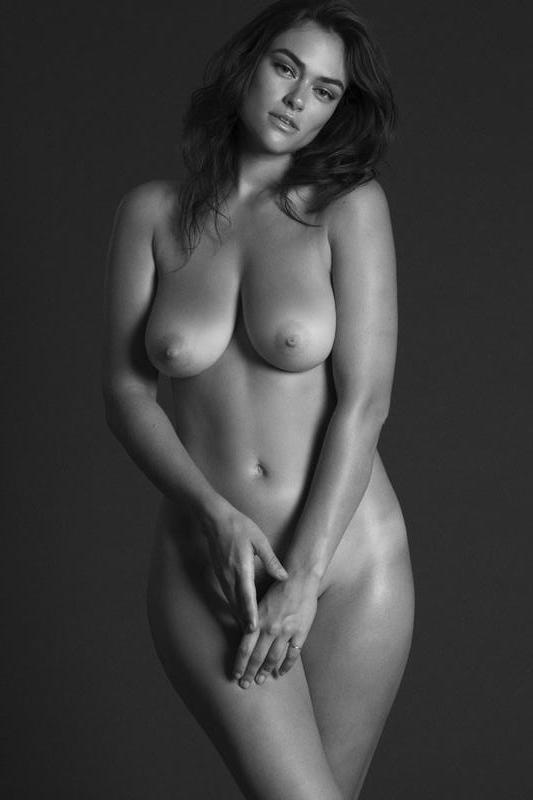 wikipornobear :      Myla Dalbesio