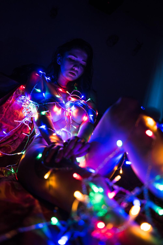 Dina_Xmas_lights-15.jpg