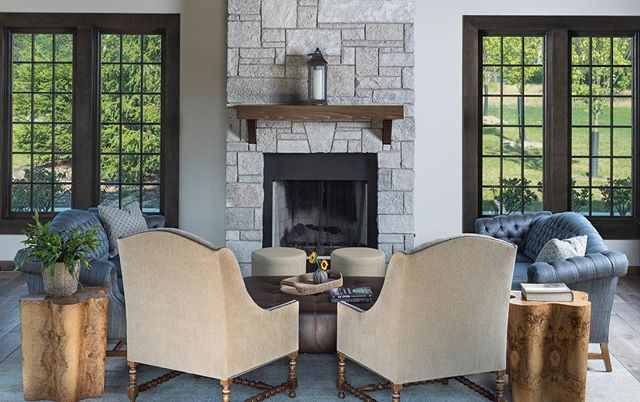 It's a beautiful weekend in Michigan for a fireside chat. No matter where you are, I hope your able to gather with loved ones, recharge, and delight in the change of seasons. 📸@mvp_detroit  #katierodriguezdesign #fireplace #fireside #newtraditional #classicisalwaysinstyle #commercialdesign #countryclub