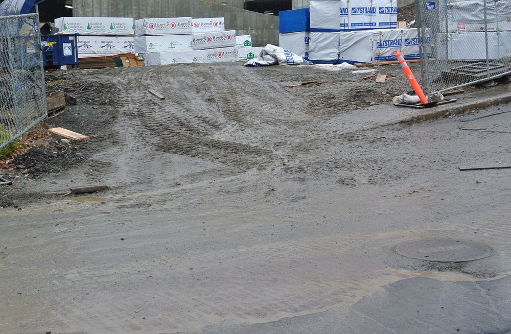 Lack of crushed rock at the exit of this construction site causes mud to enter our stormwater system and our river.