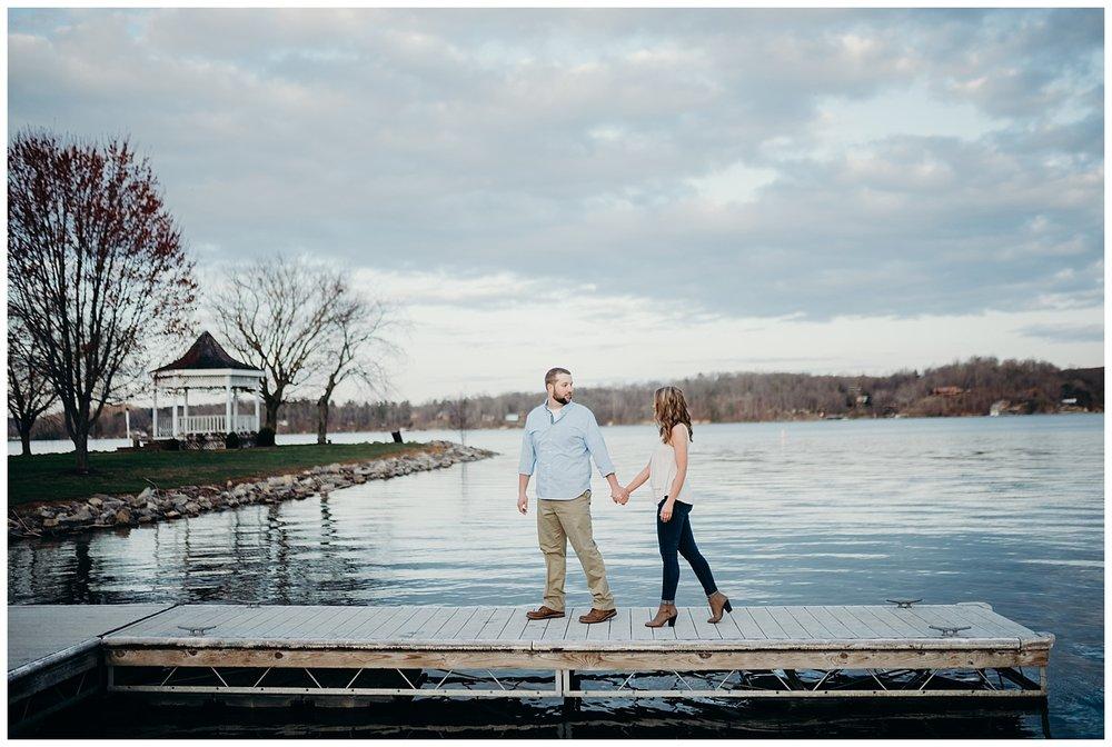 claytor-lake-va-engagement.jpg