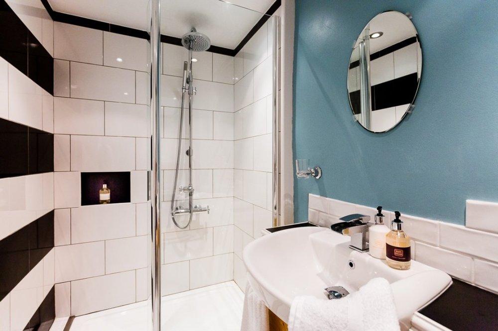 Scandi bath.jpg
