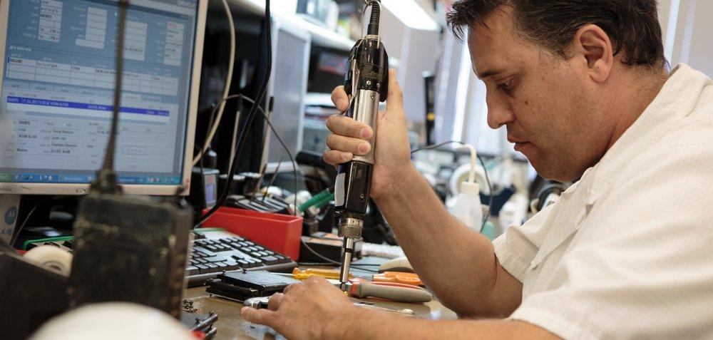 israel-telaviv-services-repair-frank-lawlor-5.jpg
