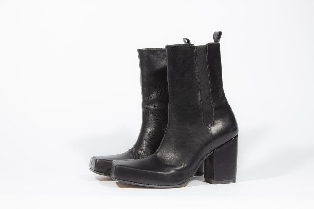 black boots 2.jpg