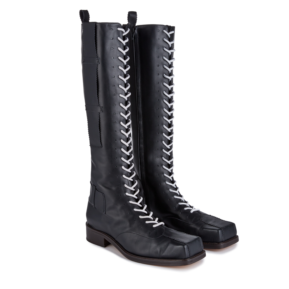 Clunk Boot Black_Front.jpg