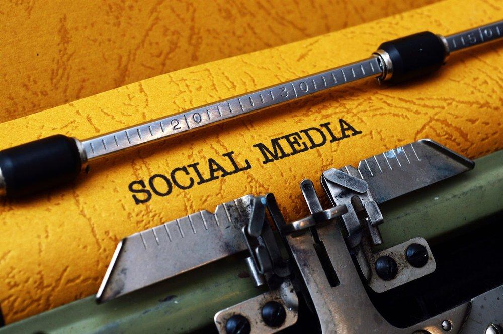 social-media_GJa5GwvO_small.jpg