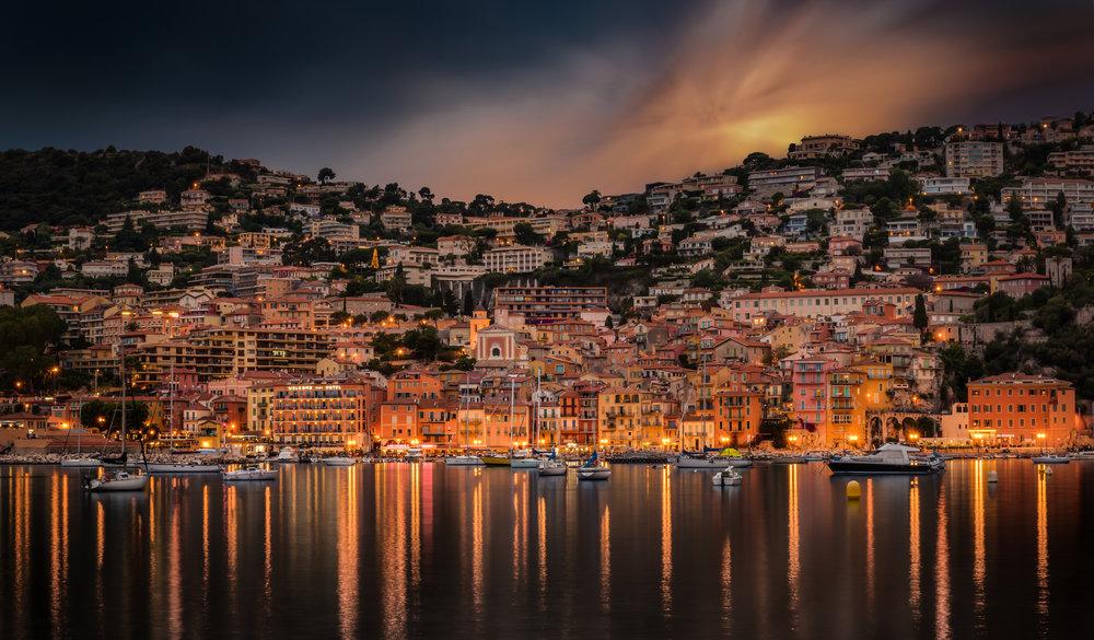 VILLEFRANCHE SUR MER - Cette photo de nuit de Villefranche-sur-Mer est finaliste du concours