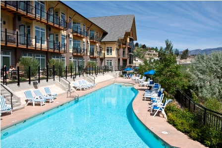 Summerland Resort-Pool-Sun-Deck.jpg