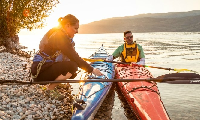 Paddle tours with Hoodoo Adventures...