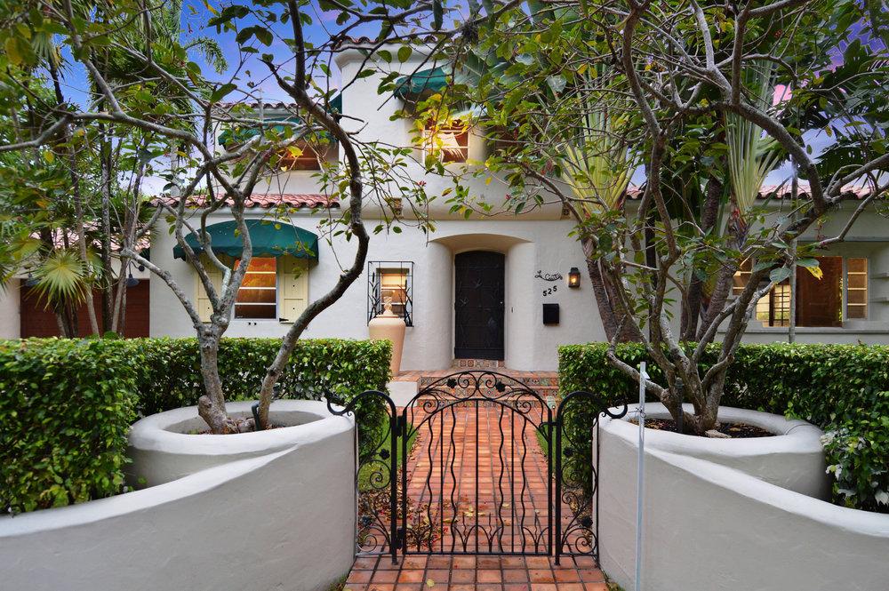 525 Alhambra Cr.  Coral Gables $1,199,000  525Alhambra.com SOLD