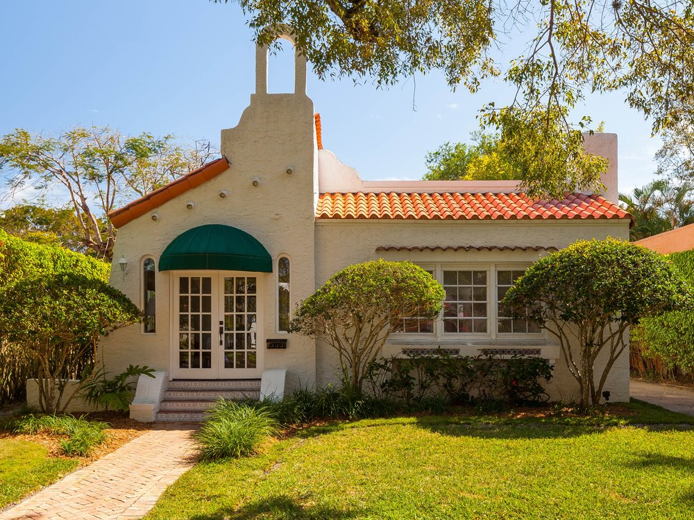 528 Majorca Av, Coral Gables 3/3 $769,000 SOLD- more photos & info www.528Majorca.com