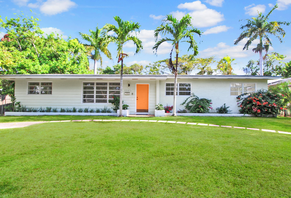6645 SW 76 Terr South Miami www.TropicalModerne.com $499,000
