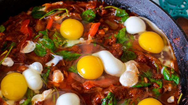 Tip: If you want your yolks to be firm, cover with a lid.