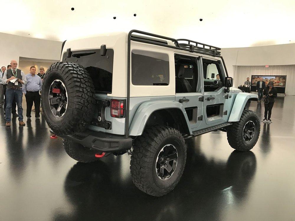 12-jeep-wrangler-switchback-concept.jpg