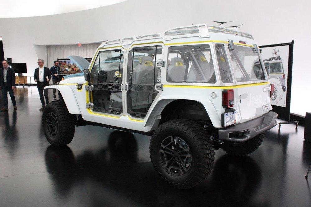 24-jeep-wrangler-safari-concept.jpg