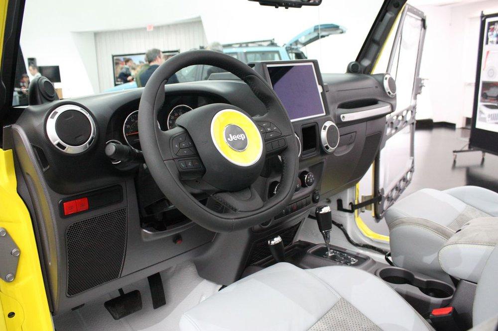 14-jeep-wrangler-safari-concept.jpg