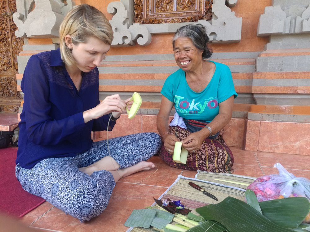 Learning how to make daily offerings by hand with Sidhi's Aunt