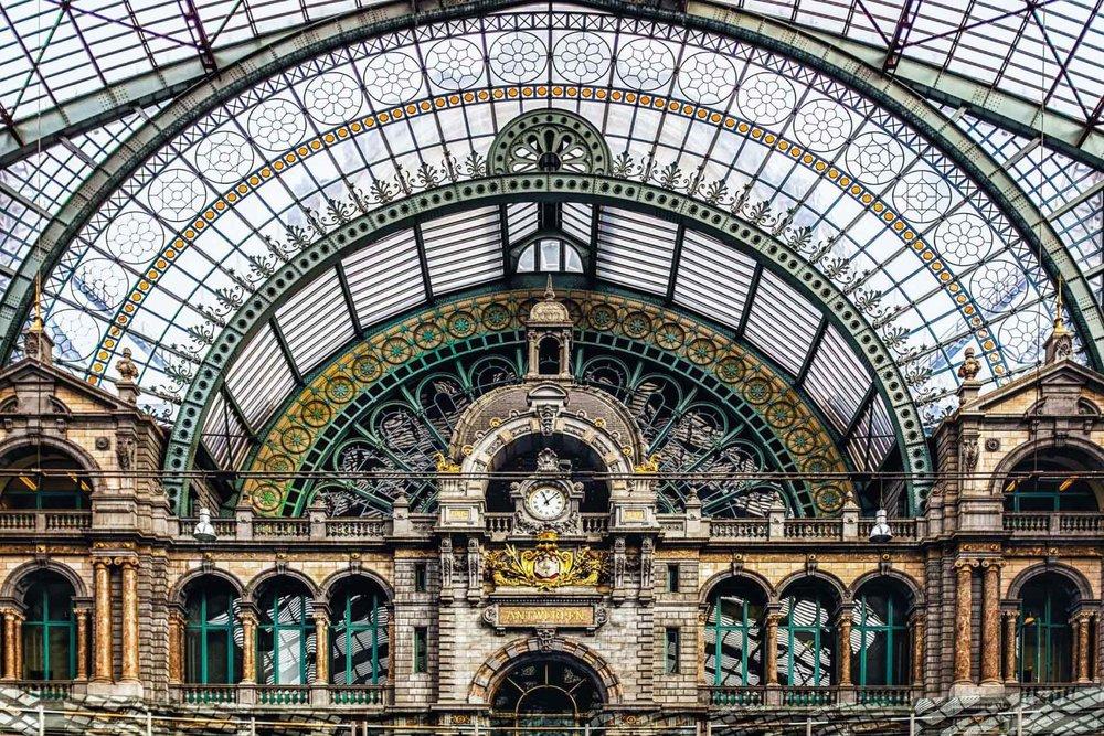 Antwerp-clock-tower-wall-Antwerp-Belgium-1-1620x1080.jpg